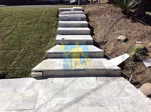 cleaning outdoor stairs pavers