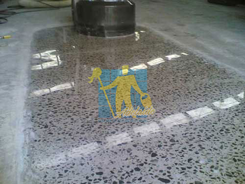 polished concrete shiny floor