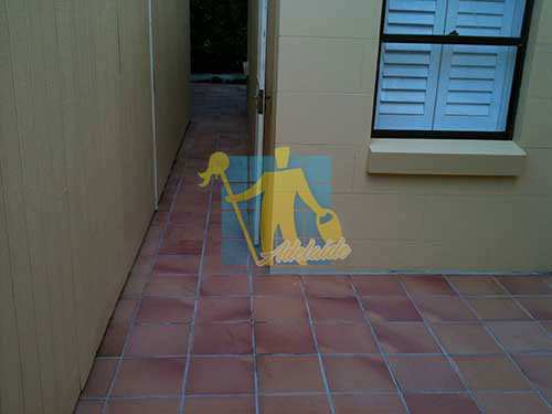 Tarracotta Tile around House Sealing